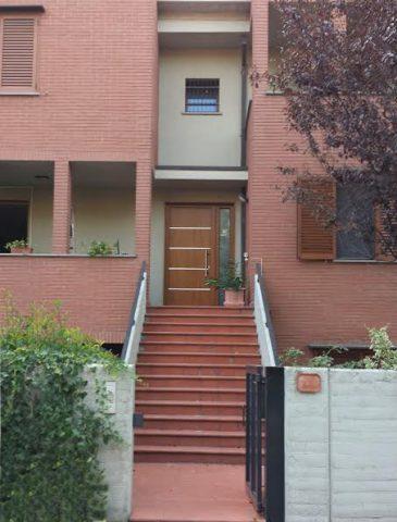 Haustür-pvc-Kirschfarbe-Eingangstür